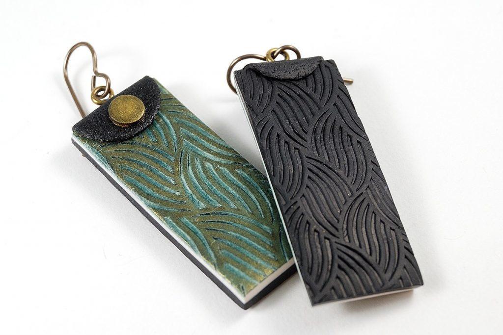 earrings-kor-texture-back